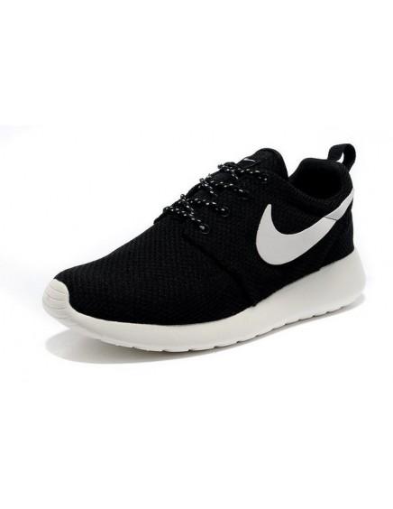 Nike Roshe Run Negras