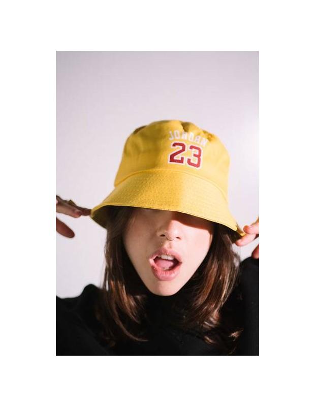 Gorro Amarillo Jordan 23