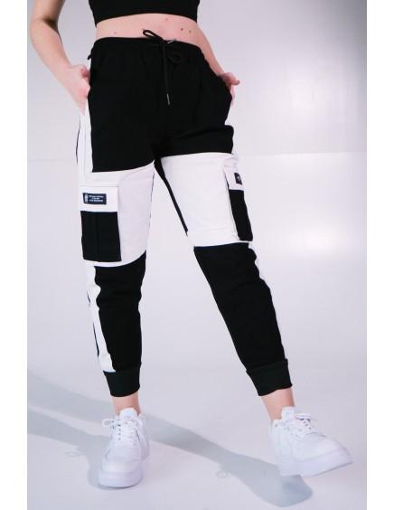 Pantalón Cargo Negro y Blanco
